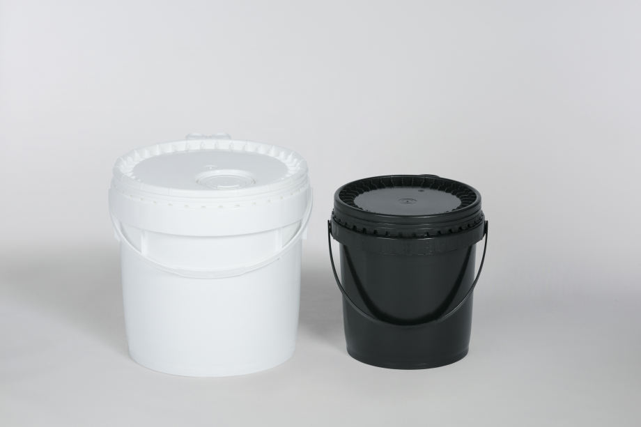 One white and one smaller black plastic bucket with handles and lids