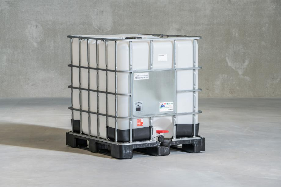 New 1000L IBC with transparent bottle metal cage and plastic pallet