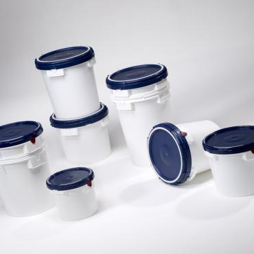 White ClickPack plastic drums with black lids